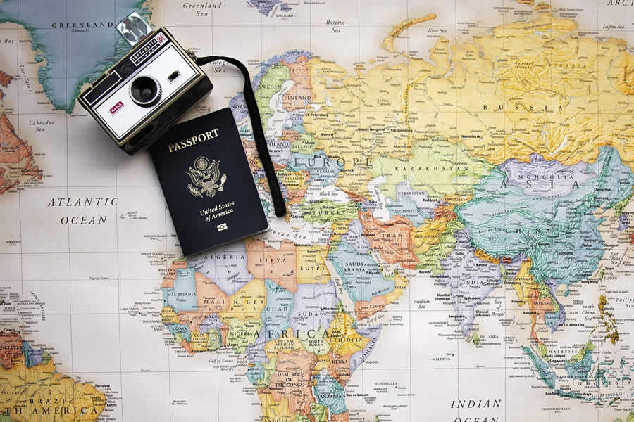 pros cons studying abroad