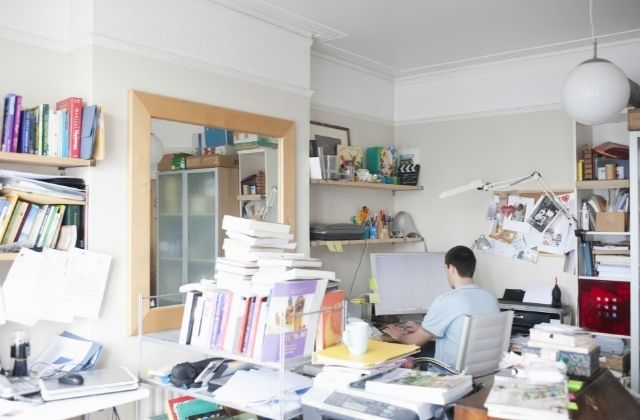 How a Cluttered Living Space Can Affect Anxiety